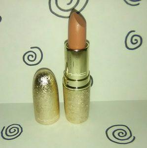 """Really Me"" Mac Snowball Lipstick"